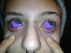 EYEBALL TATOO WOMAN